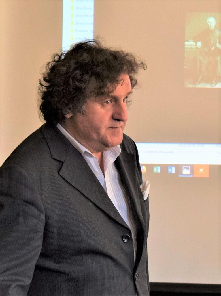 dr-Krzysztof-Gebura-gmina-brody-biblioteka004.JPG