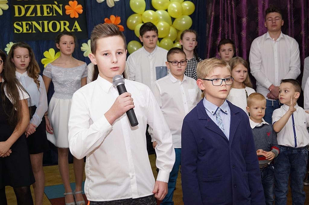 gminny-dzien-seniora-sp-lipie-07.JPG