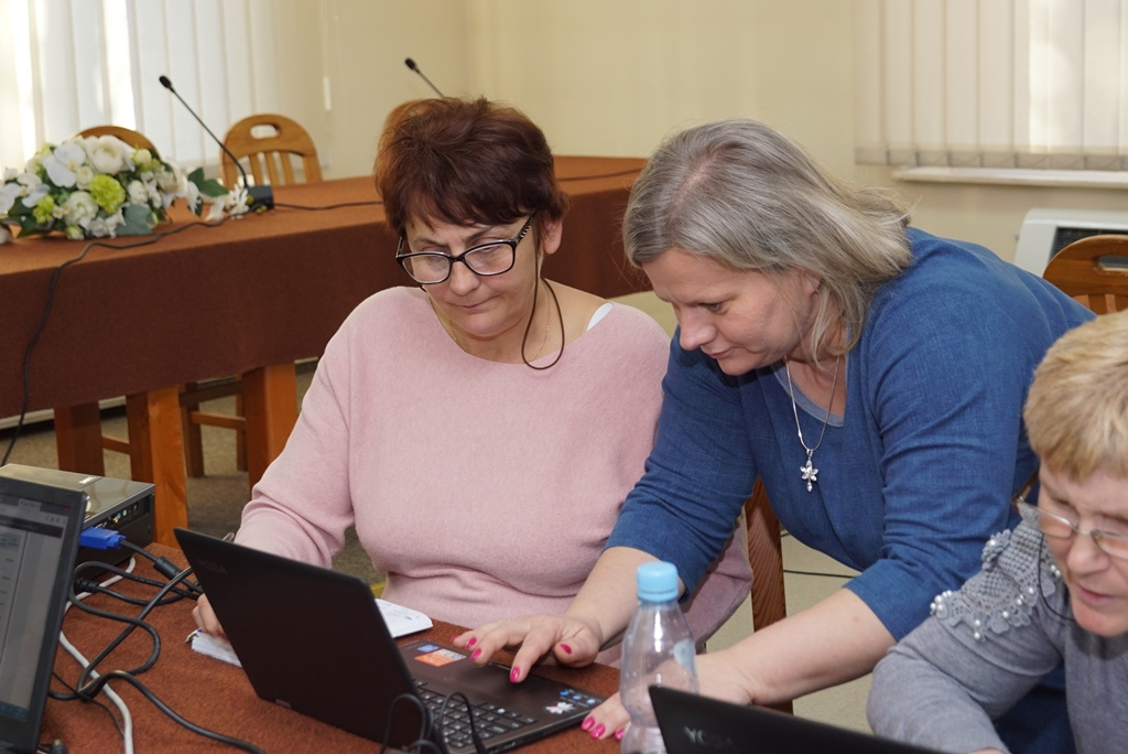 komputer-szkolenia-gmina-brody-www-internet-senior-biznes-kutura-DSC00651.JPG