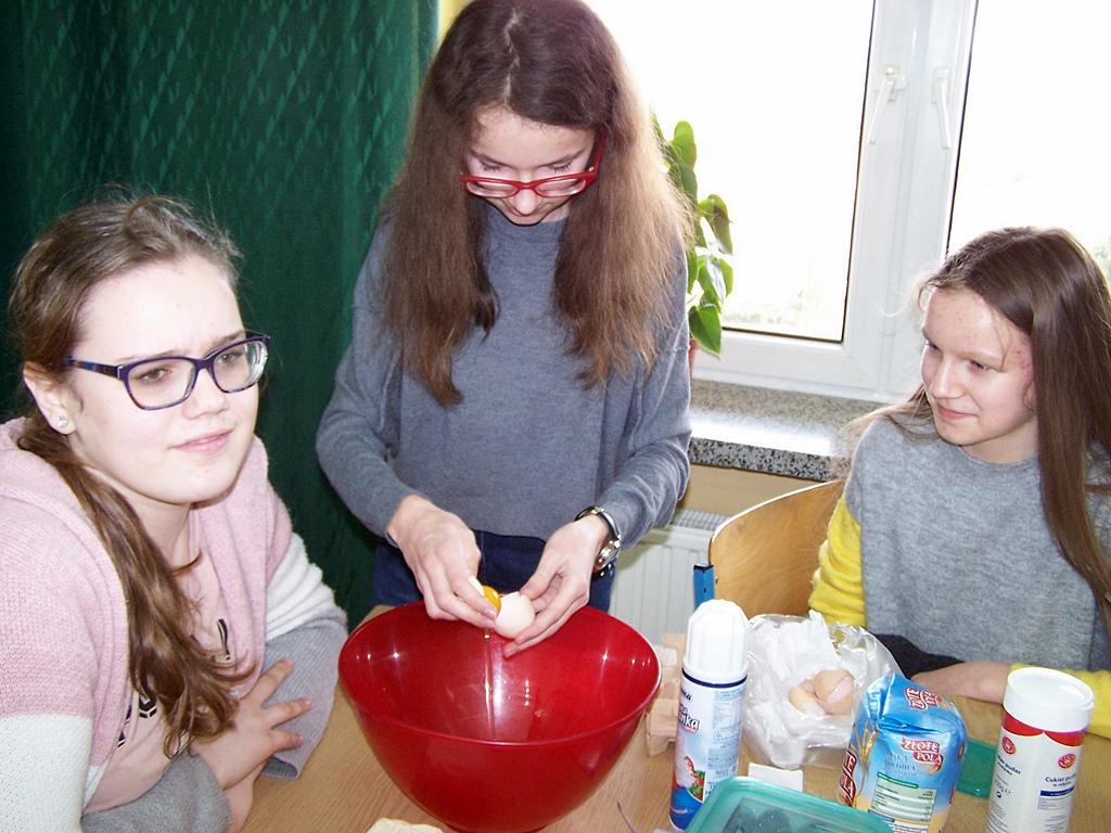 warsztaty-kulinarne-sp-krynki01.JPG