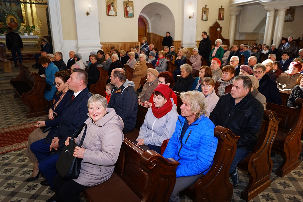 70-lat-meski-chor-parafialny-krynki-20-lat-szymon-pochec-DSC08384.JPG