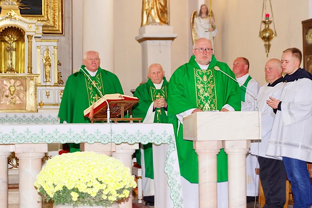 70-lat-meski-chor-parafialny-krynki-20-lat-szymon-pochec-DSC08388.JPG