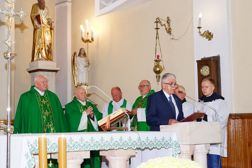 70-lat-meski-chor-parafialny-krynki-20-lat-szymon-pochec-DSC08400.JPG