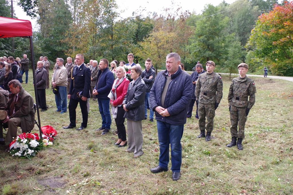 odsloniecie-pomnika-majora-dobrzanskiego-hubala-polagiew-gmina-brody-powiat-starachowickiIMGP7744.JPG