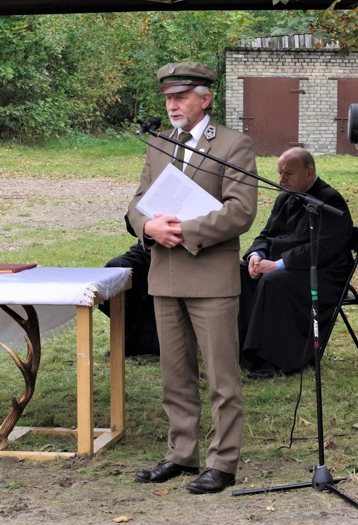 odsloniecie-pomnika-majora-dobrzanskiego-hubala-polagiew-gmina-brody-powiat-starachowickiIMGP7831.JPG