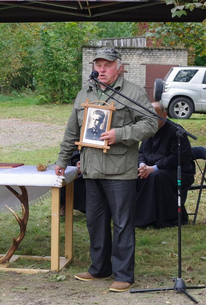 odsloniecie-pomnika-majora-dobrzanskiego-hubala-polagiew-gmina-brody-powiat-starachowickiIMGP7916.JPG