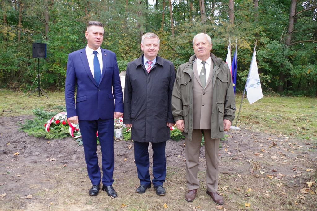 odsloniecie-pomnika-majora-dobrzanskiego-hubala-polagiew-gmina-brody-powiat-starachowickiIMGP8129.JPG