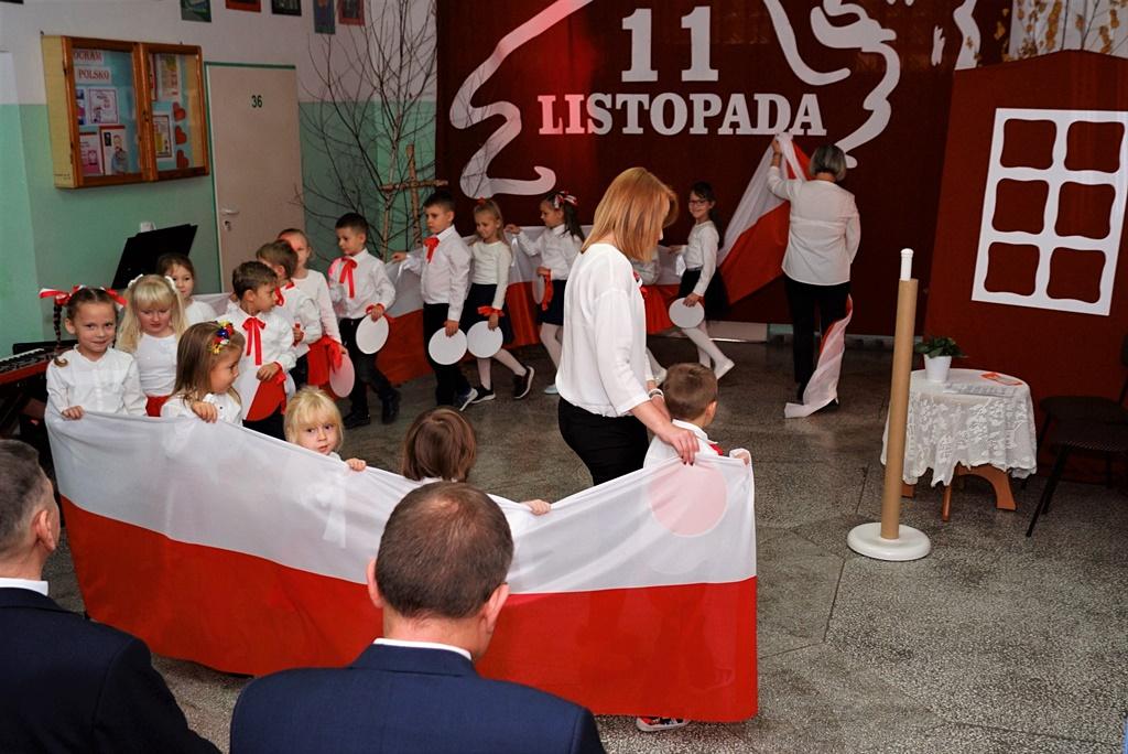 piate-gminne-obchody-narodowego-swieta-niepodleglosci-gmina-brody-powiat-starachowicki20191111-135703.JPG