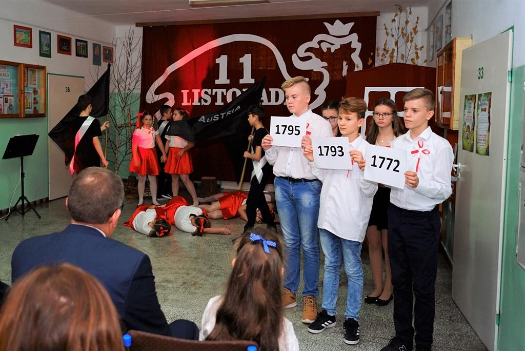 piate-gminne-obchody-narodowego-swieta-niepodleglosci-gmina-brody-powiat-starachowicki20191111-140254.JPG