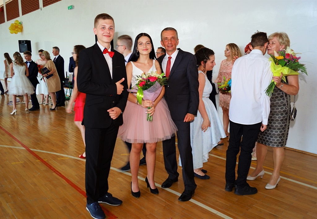 bal-absolwentow-zsp-krynki-2019-gmina-brodyDSC01652.JPG