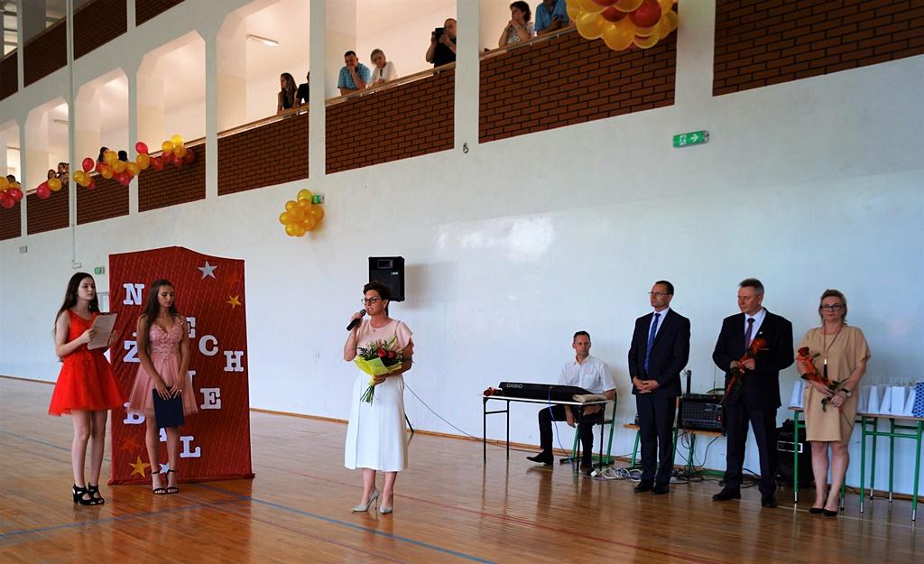 bal-absolwentow-zsp-krynki-2019-gmina-brodyDSC01664.JPG