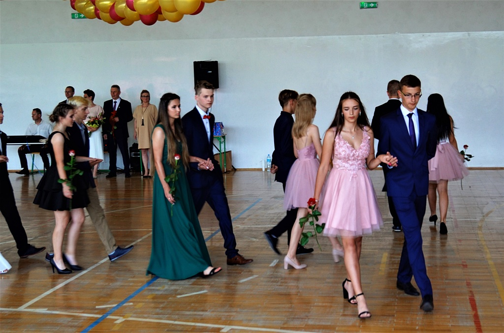 bal-absolwentow-zsp-krynki-2019-gmina-brodyDSC01703.JPG