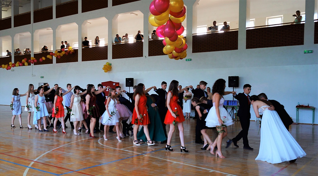 bal-absolwentow-zsp-krynki-2019-gmina-brodyDSC01847.JPG