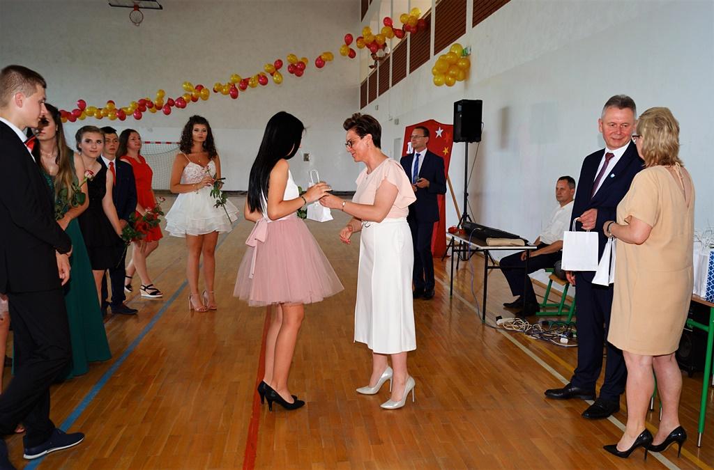 bal-absolwentow-zsp-krynki-2019-gmina-brodyDSC01890.JPG