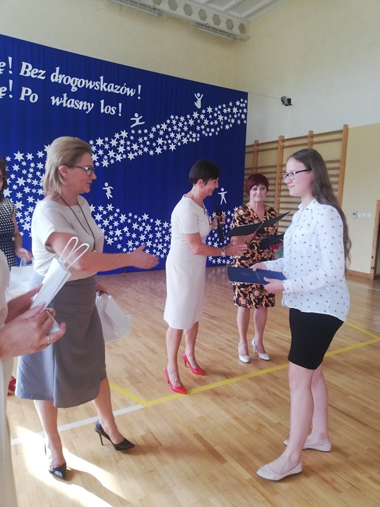 gimnazju-ruda-zakonczenie-2019107-20190624-120043.jpg