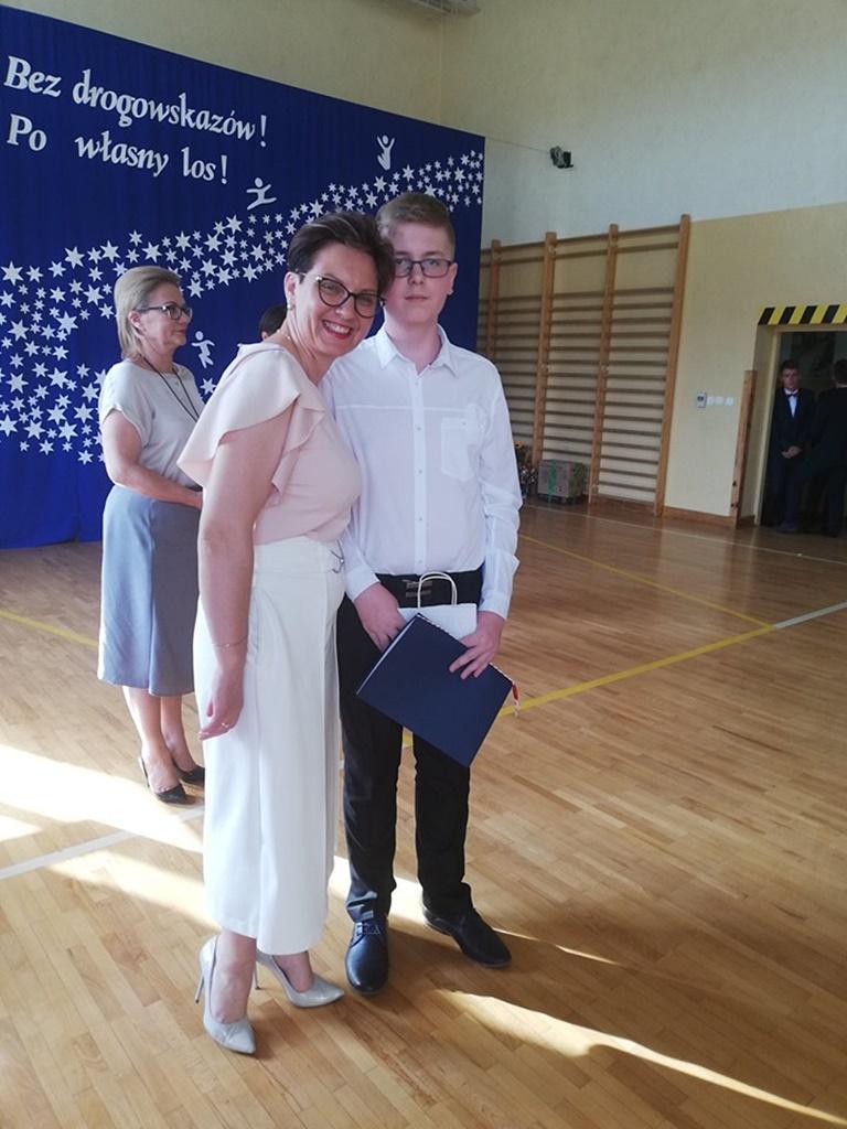 gimnazju-ruda-zakonczenie-2019113-20190624-120745.jpg