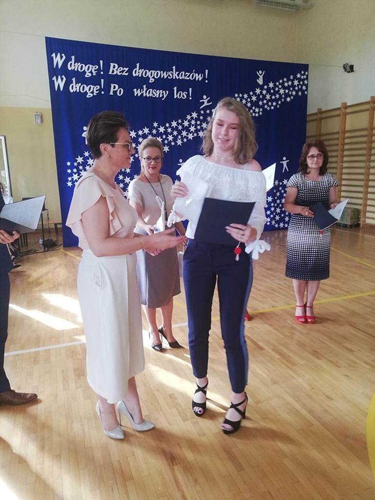 gimnazju-ruda-zakonczenie-2019116-20190624-115207.jpg