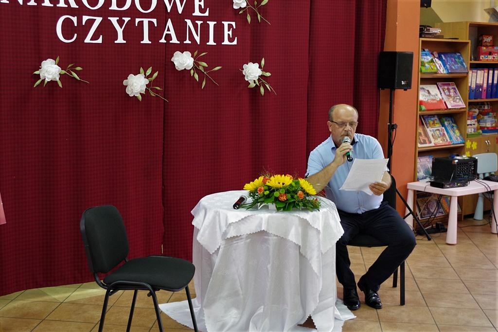 narodowe-czytanie-nowel-polskich-ckial-gmina-brody-powiat-starachowickiIMGP4835.jpg