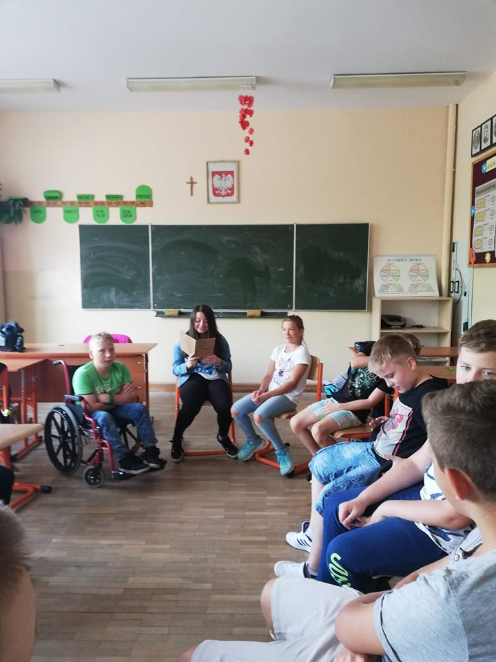 narodowe-czytanie-szkola-ruda-3.jpg