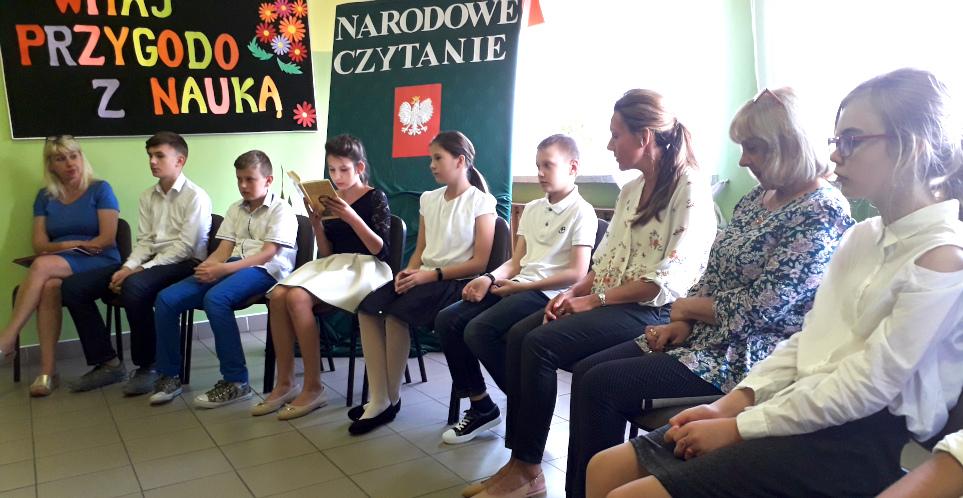 narodowe-czytanie-szkola-staw-kunowski-2.jpg