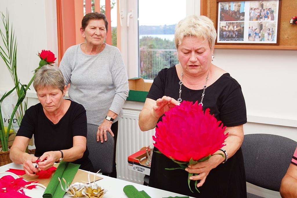senior-plus-klub-stykow-zumba-kulinaria-kwiaty-z-bibuly-DSC05130.JPG