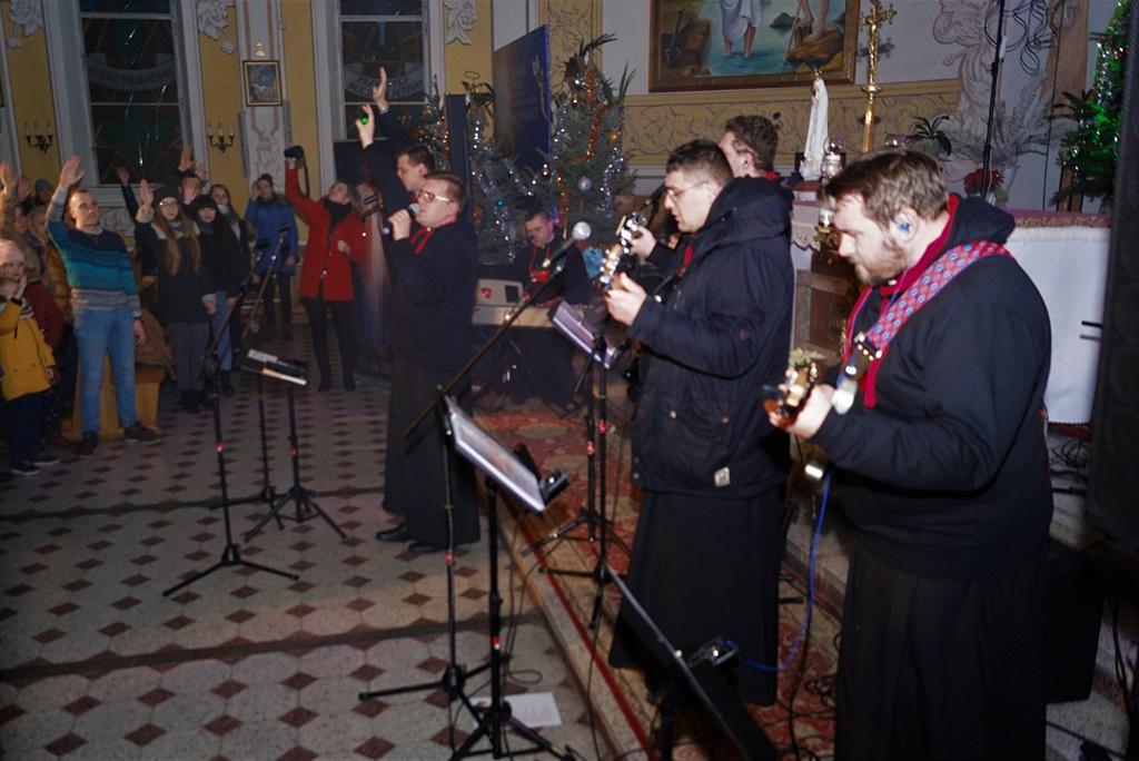 radosna-muzyczna-modlitwa-w-stykowie-koncert-uwielbienia-zespol-jak-najbardziej-gmina-brody-powiat-starachowicki20200118-180745.JPG