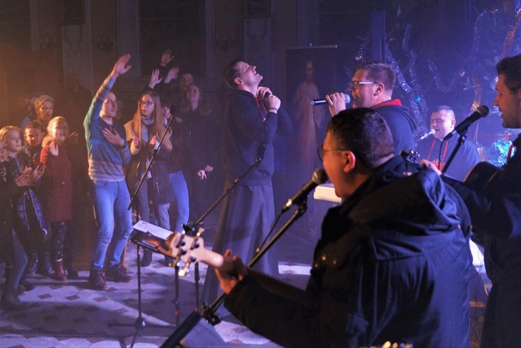 radosna-muzyczna-modlitwa-w-stykowie-koncert-uwielbienia-zespol-jak-najbardziej-gmina-brody-powiat-starachowicki20200118-191236.JPG