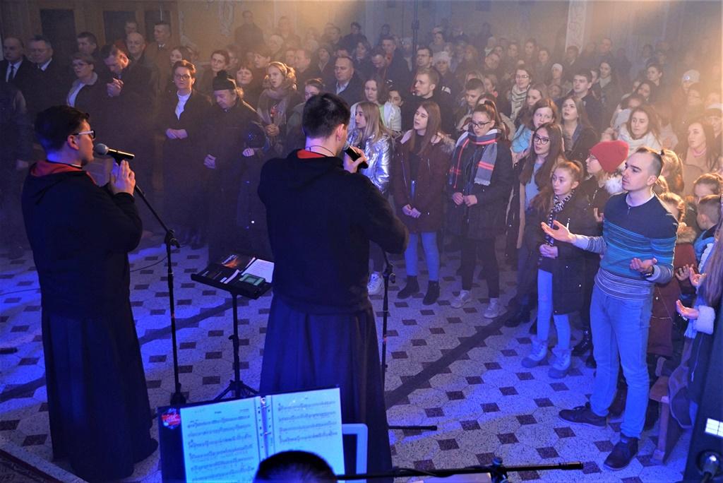 radosna-muzyczna-modlitwa-w-stykowie-koncert-uwielbienia-zespol-jak-najbardziej-gmina-brody-powiat-starachowicki20200118-191657.JPG