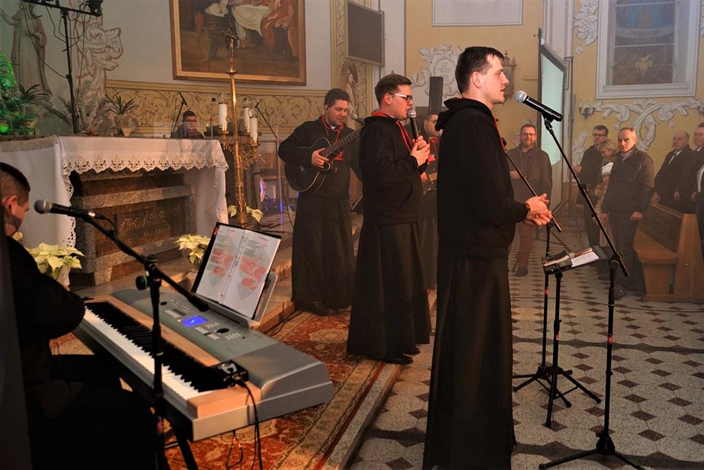 radosna-muzyczna-modlitwa-w-stykowie-koncert-uwielbienia-zespol-jak-najbardziej-gmina-brody-powiat-starachowicki20200118-192817.JPG