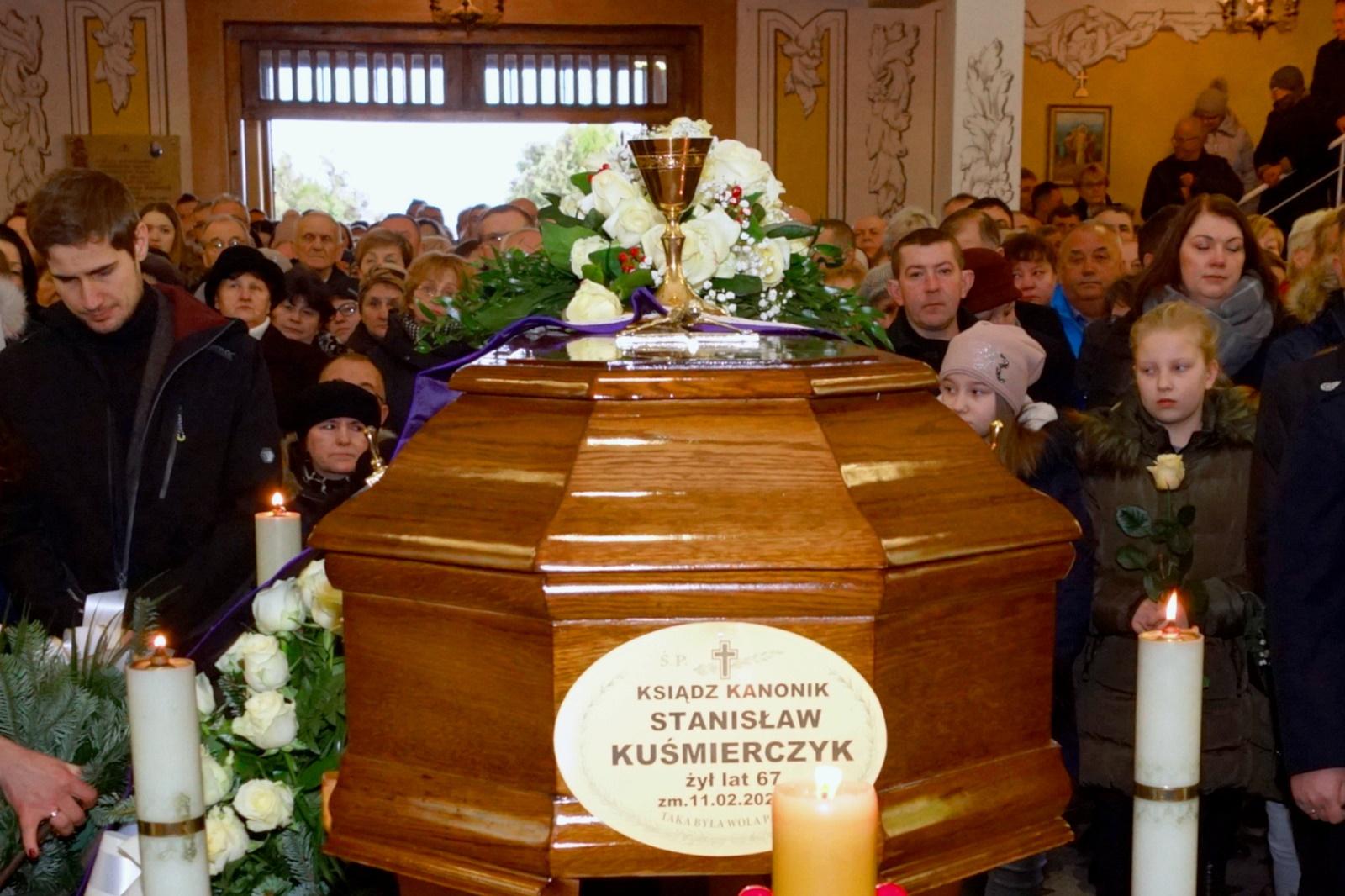 pogrzeb-ks-stanislaw-kusmierczyk-stykow-gmina-brody-DSC02145-f.JPG