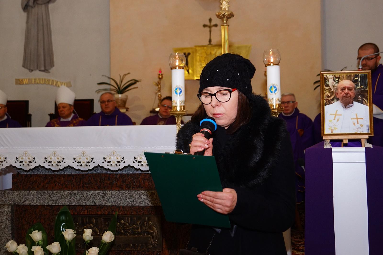 pogrzeb-ks-stanislaw-kusmierczyk-stykow-gmina-brody-DSC02173-f.JPG