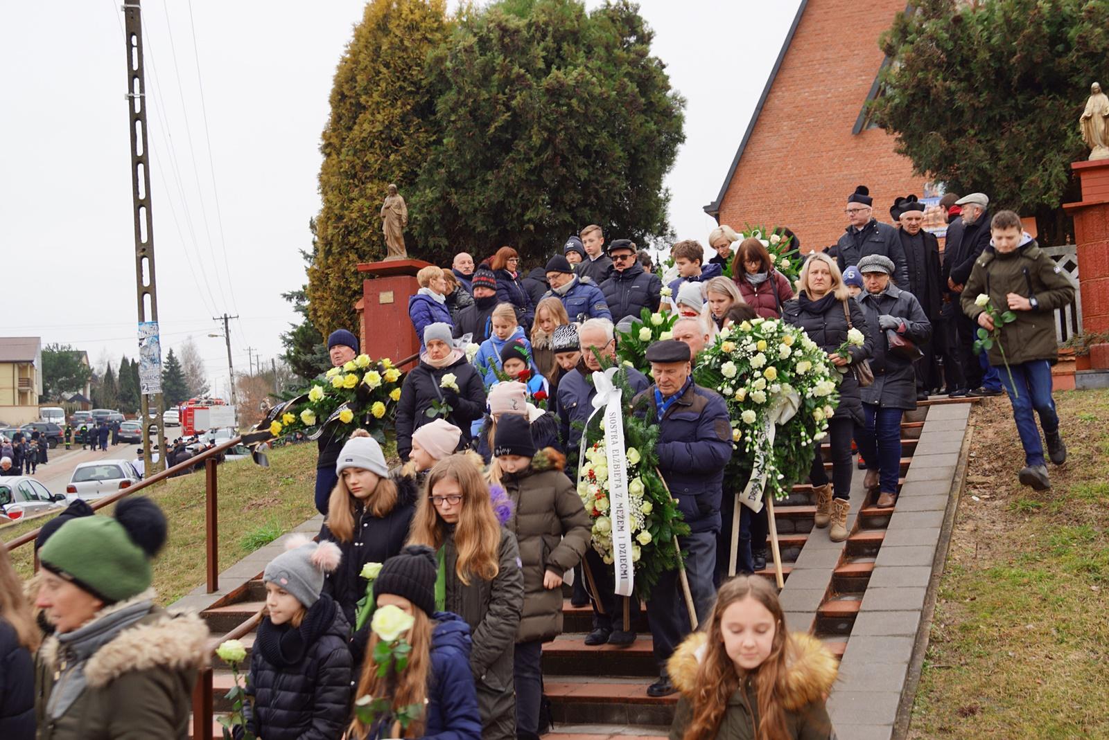 pogrzeb-ks-stanislaw-kusmierczyk-stykow-gmina-brody-DSC02204-f.JPG