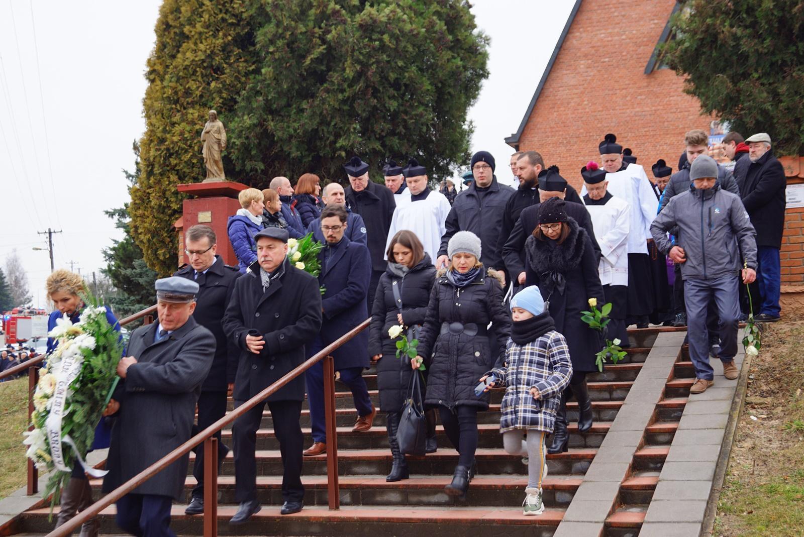 pogrzeb-ks-stanislaw-kusmierczyk-stykow-gmina-brody-DSC02207-f.JPG