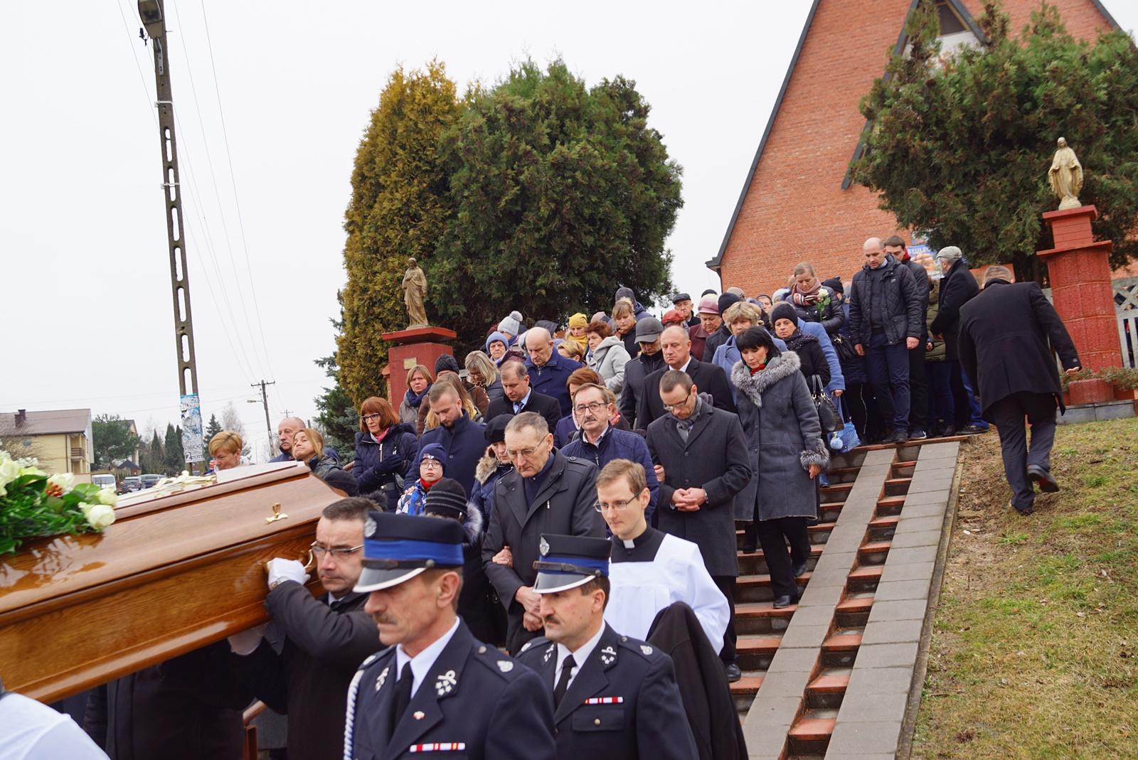 pogrzeb-ks-stanislaw-kusmierczyk-stykow-gmina-brody-DSC02213-f.JPG