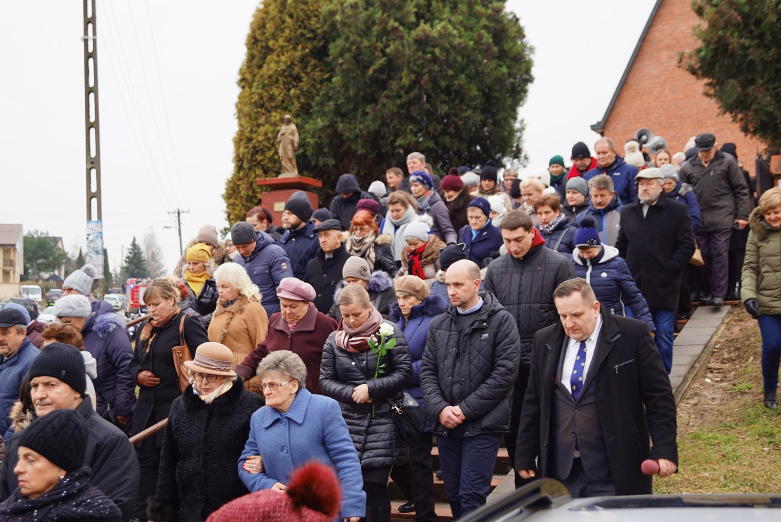 pogrzeb-ks-stanislaw-kusmierczyk-stykow-gmina-brody-DSC02214-f.JPG