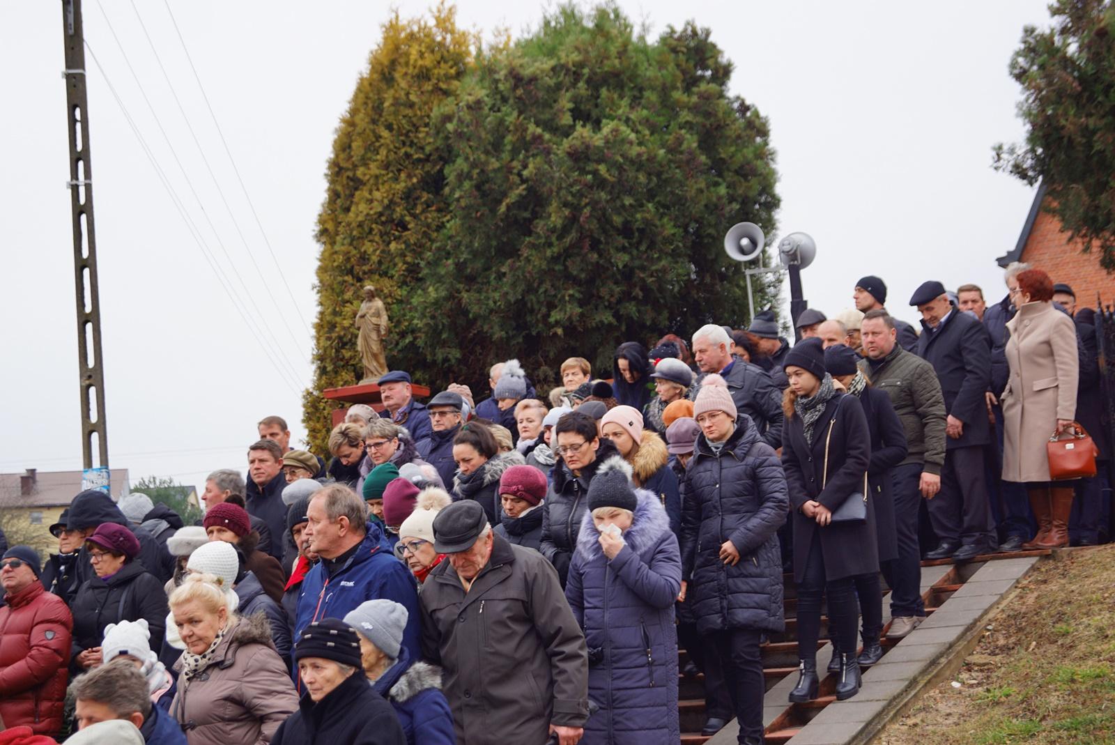 pogrzeb-ks-stanislaw-kusmierczyk-stykow-gmina-brody-DSC02215-f.JPG