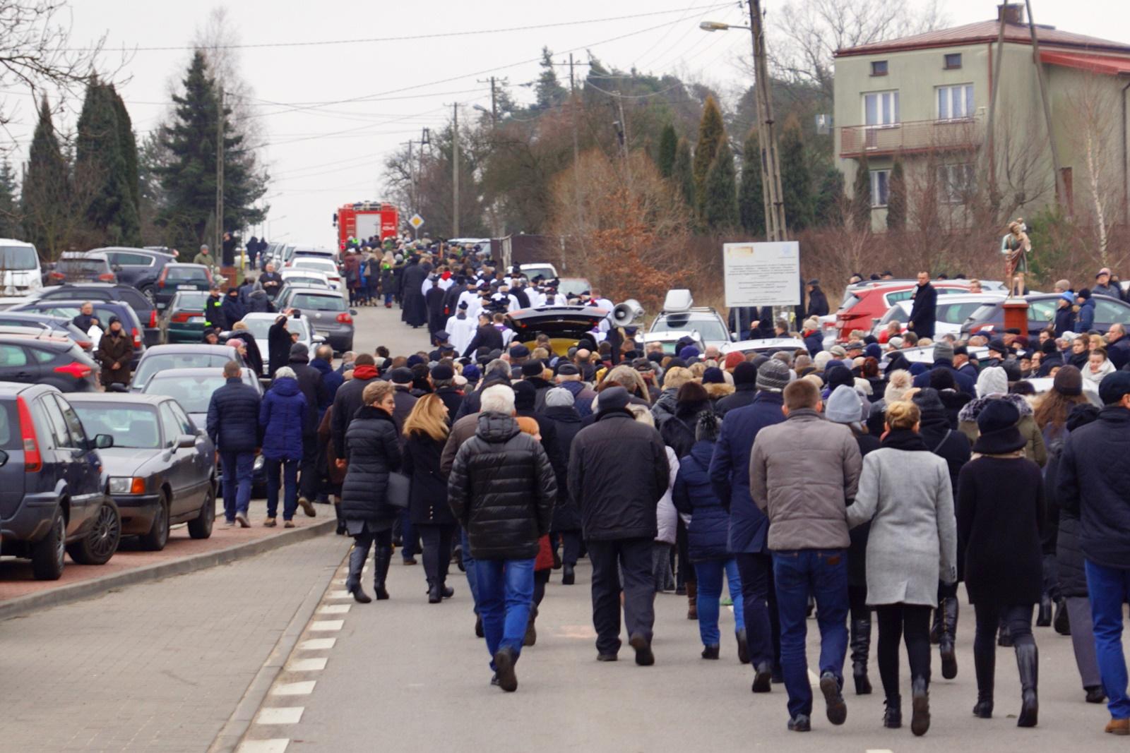 pogrzeb-ks-stanislaw-kusmierczyk-stykow-gmina-brody-DSC02220-f.JPG