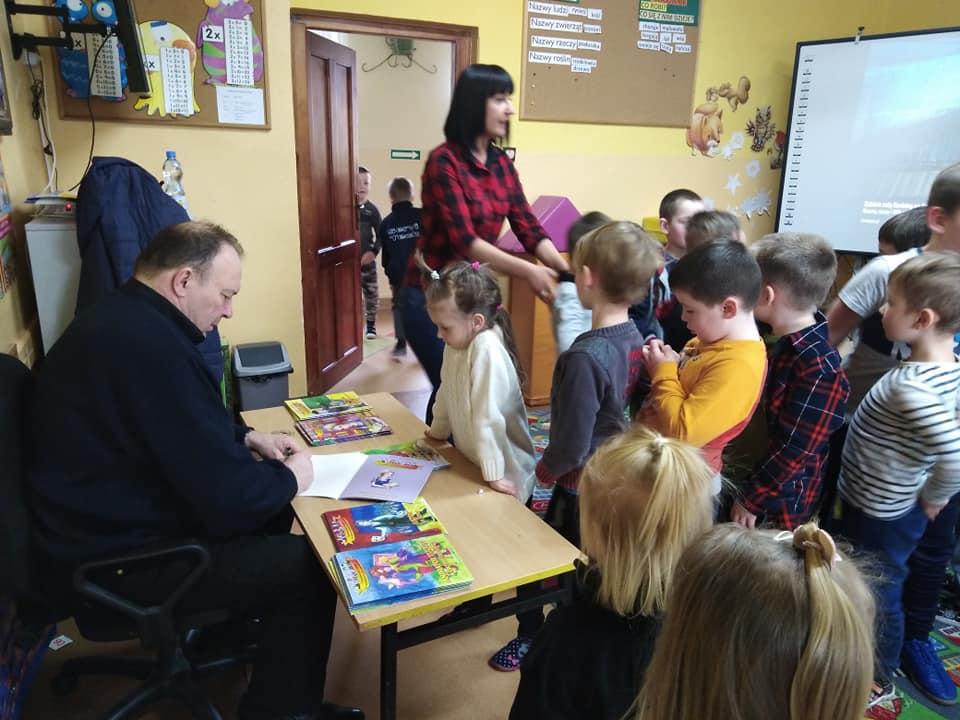roman-pankiewicz-ksiazki-brody-dzieci-teatrzyk-kamishibai-4.jpg