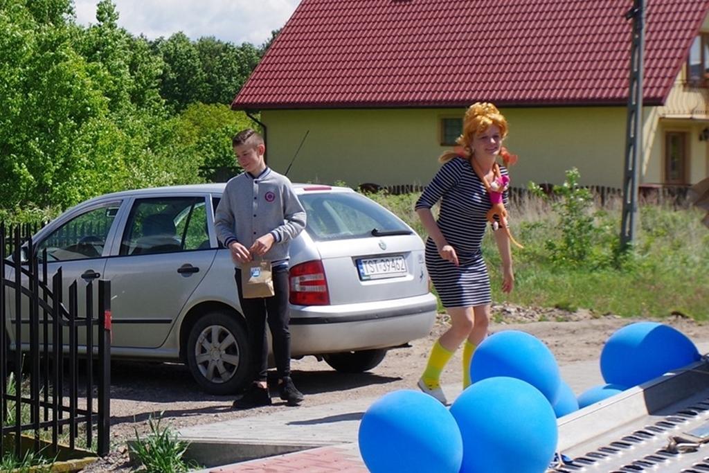 mobilny-dzien-dziecka-gmina-brody2020-06-02-12-31-33.JPG