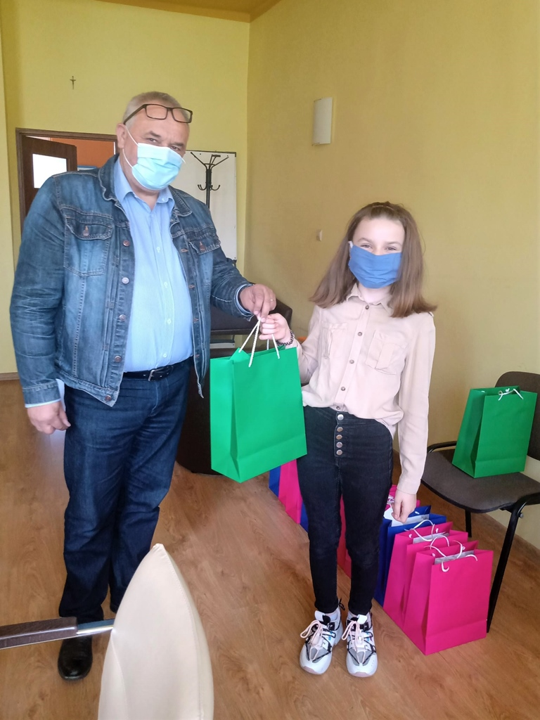 01-uczennica-ze-stykowa-laureatka-konkursu-plastycznego-zpo-stykow-gmina-brody-powiat-starchowickiexport1591274614598.jpg