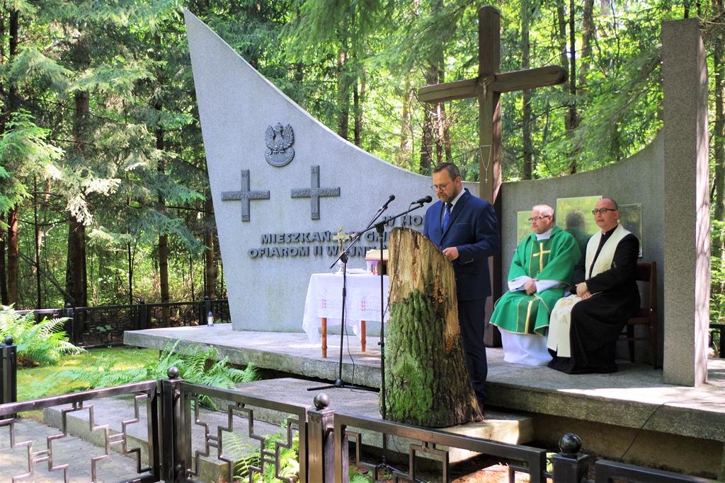 uroczystosc-patriotyczna-pacyfikacja-boru-kunowskiego-4-lipca-1943-uroczystosc-77-rocznica-gmina-brody-powiat-starachowicki2020-07-05-08-57-18.JPG
