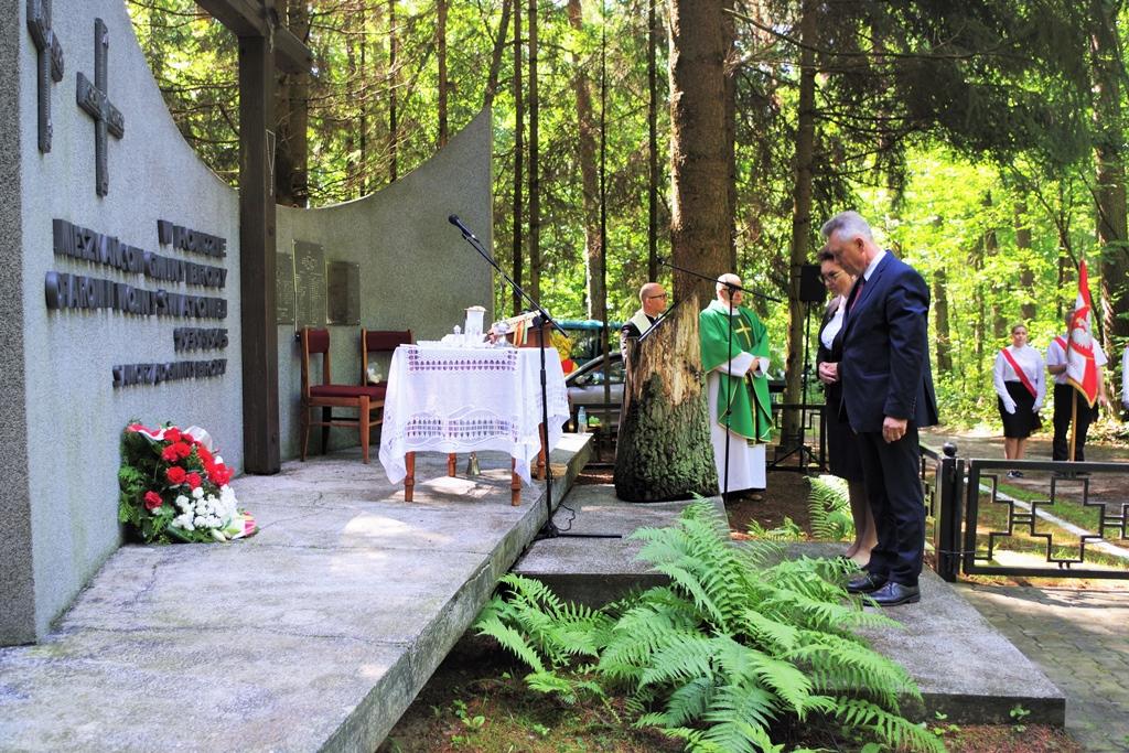 uroczystosc-patriotyczna-pacyfikacja-boru-kunowskiego-4-lipca-1943-uroczystosc-77-rocznica-gmina-brody-powiat-starachowicki2020-07-05-08-58-41.JPG