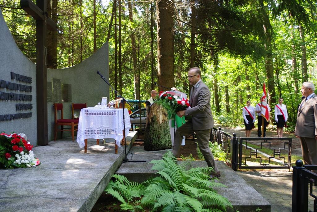 uroczystosc-patriotyczna-pacyfikacja-boru-kunowskiego-4-lipca-1943-uroczystosc-77-rocznica-gmina-brody-powiat-starachowicki2020-07-05-08-58-51.JPG