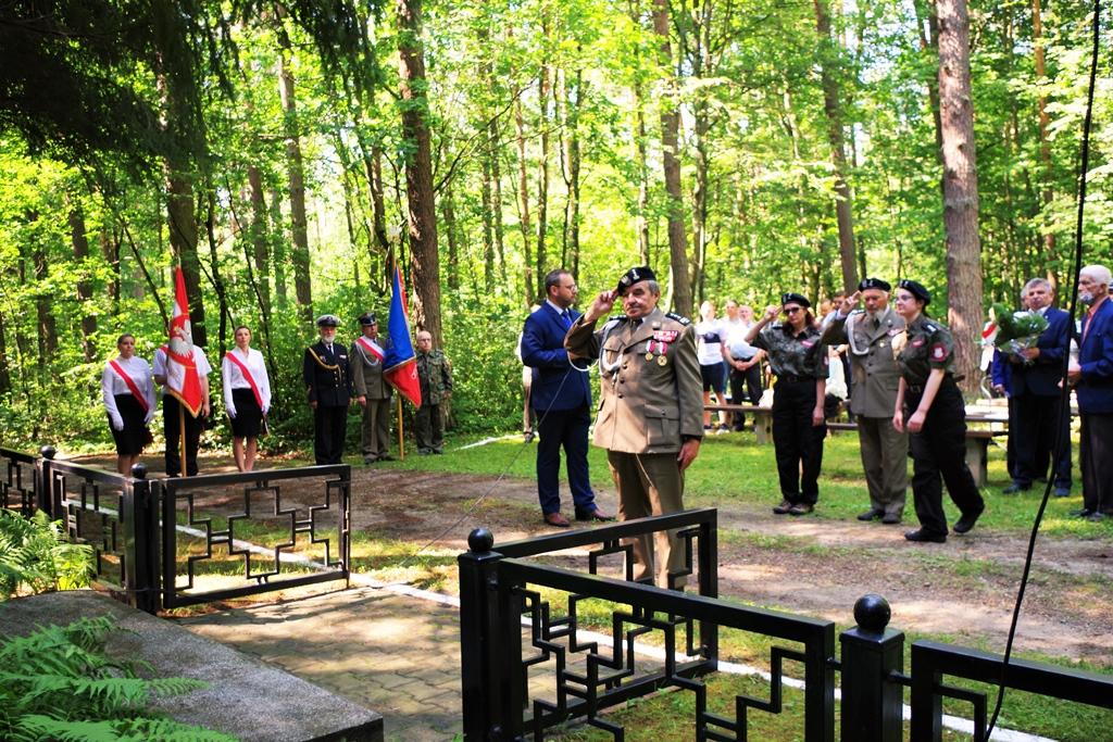 uroczystosc-patriotyczna-pacyfikacja-boru-kunowskiego-4-lipca-1943-uroczystosc-77-rocznica-gmina-brody-powiat-starachowicki2020-07-05-08-59-32.JPG
