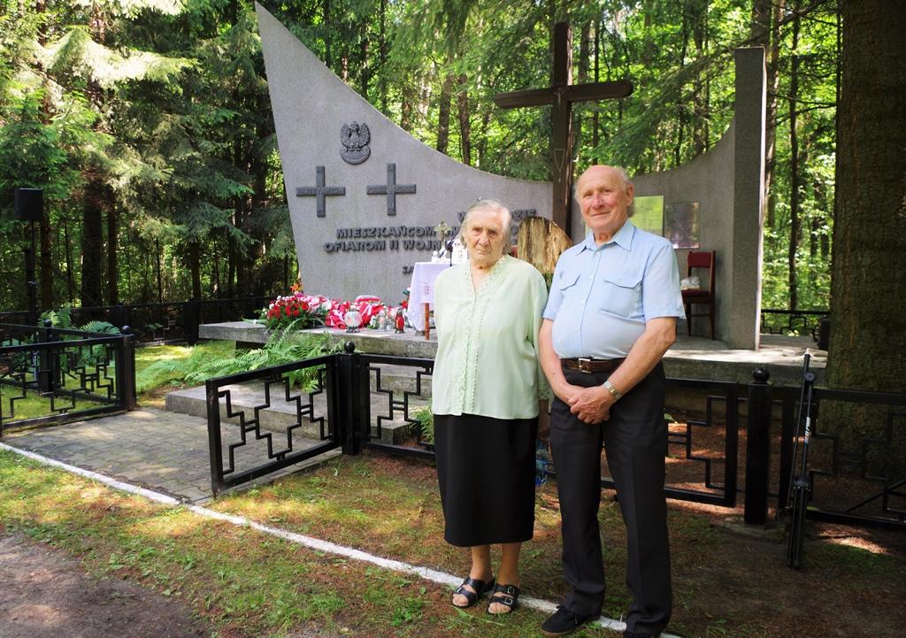 uroczystosc-patriotyczna-pacyfikacja-boru-kunowskiego-4-lipca-1943-uroczystosc-77-rocznica-gmina-brody-powiat-starachowicki2020-07-05-09-59-53.JPG