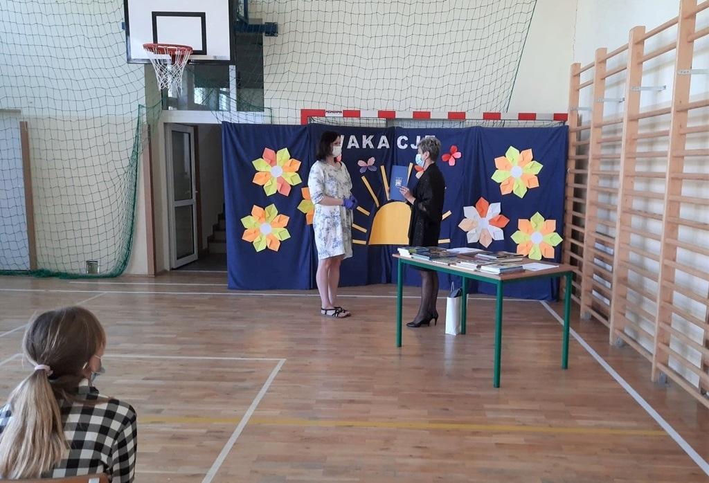04-zakonczenie-roku-szkolnego-2019-2020-w-szkolach-gminy-brody.jpg