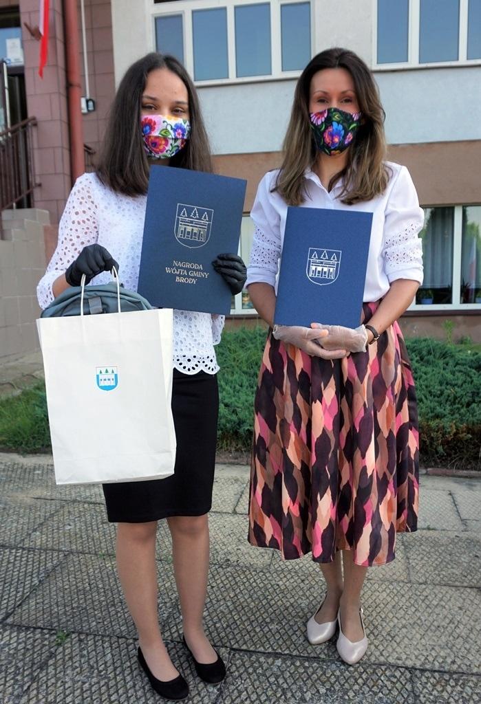 23-zakonczenie-roku-szkolnego-2019-2020-w-szkolach-gminy-brody.JPG