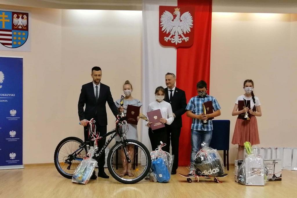wiktoria-bilinska-laureatka-paszport-swietokrzyski-sukces-uczennicy-ze-stykowa005.jpg