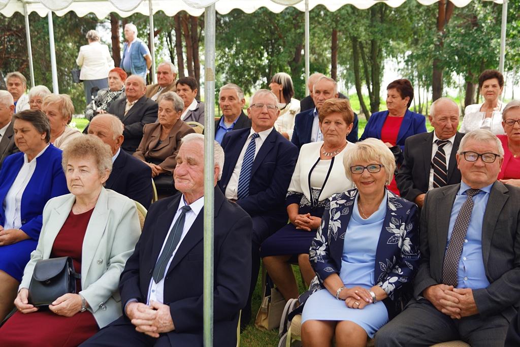 zloty-jubileusz-50-lat-malzenstwa-brody-centrum-turystyczne-DSC06681.JPG