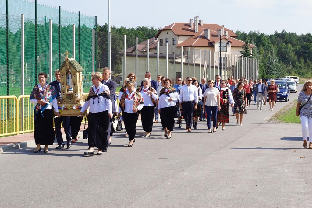 dozynki-gmina-brody-adamow-2021-taniec-spiewy-tradycje-05.JPG